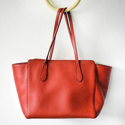Gucci Leather Swing Tote Red