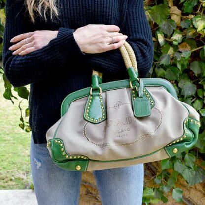 Prada Lona y Cuero Verde
